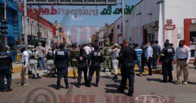 Operativo de la FGR desata balacera en Metepec; un muerto
