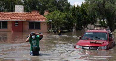 Por desbordamiento de río en Tula, desalojan varias colonias