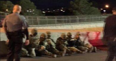Supuestos militares mexicanos fueron detenidos en EU por cruzar frontera