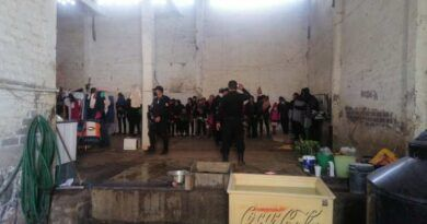 En fabrica vieja rescatan a migrantes en Los Reyes la Paz; la mayoría son niños