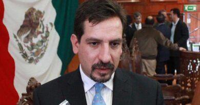 Designa Fernando Flores a Poncho Bravo coordinador para transición en Metepec