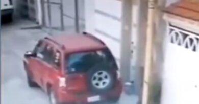 Paquete explosivo estalla fuera de una casa en Puebla; no hay lesionados