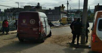 A balazos matan a mujer al interior de una combi en Los Reyes la Paz