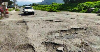 En dos vías de Otzolotepec, Junta Local atiende a medias problemas de baches
