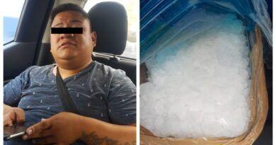 Intentan rescatar a presunto narcomenudista detenido por la policía en Ecatepec