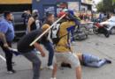 A golpes se enfrentan aficionados de Club América y Atlético San Luis; un lesionado