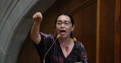 Baje a recorrer las calles, no gobierne desde el escritorio: Azucena Cisneros a Rafael Díaz Leal
