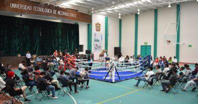 Contrata Universidad Tecnológica de Nezahualcóyotl entrenadora profesional de boxeo
