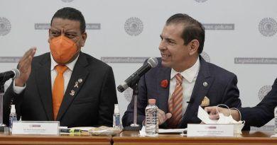 Tener finanzas sanas es responsabilidad de todos: Francisco Santos