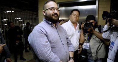 Por sospecha de COVID-19, aíslan a Javier Duarte