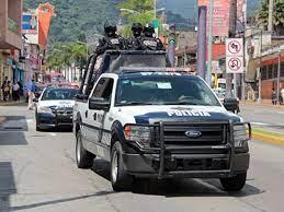 Asaltan banco en Veracruz y toman a clientes como rehenes; ya los rescataron