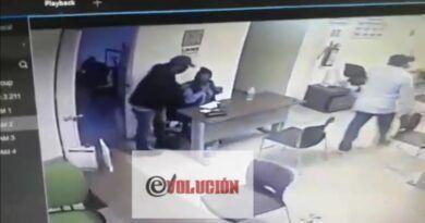 Asaltantes de Toluca amagan a empleadas y hieren a una persona