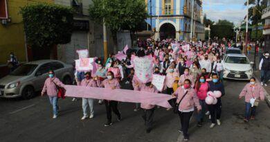 En Texcoco más de 500 mujeres participan en rodada y caminata de lucha contra el cáncer