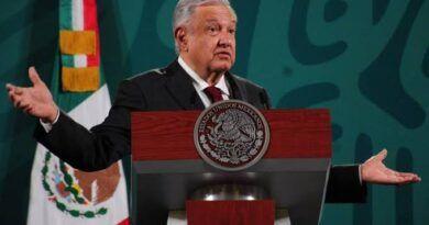 Presidente denuncia mafias dentro de universidades públicas